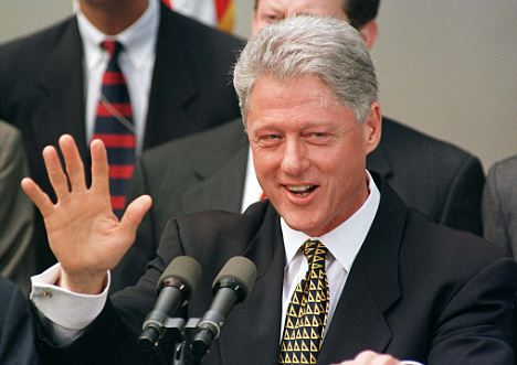 n taglio di capelli di Bill Clinto